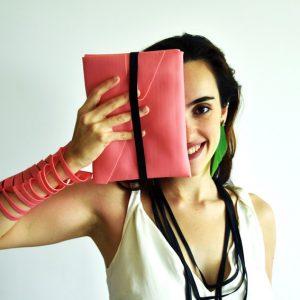 Bolsa de Mão Valentim - Flavia Amadeu Design Sustentável